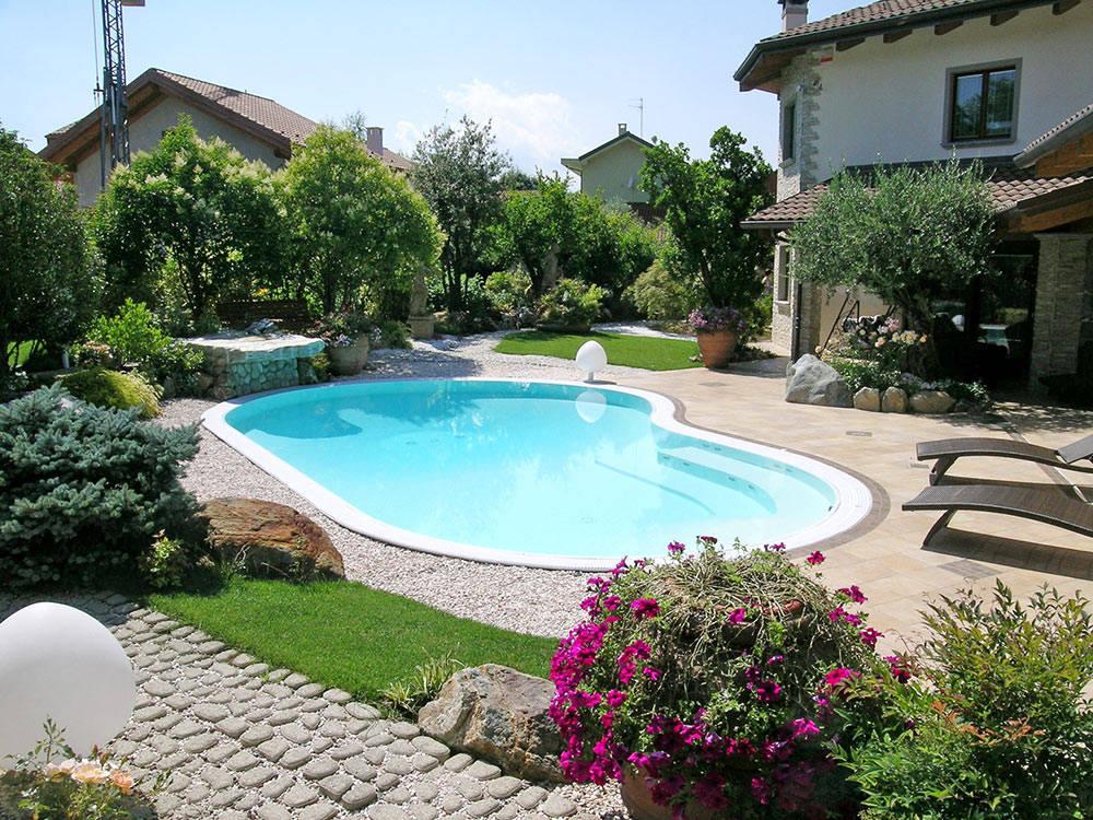 Vasche da bagno a bergamo sorelle chiesa - Piscina in giardino ...
